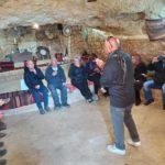 תיירני ערד בסיור לימודי ביקרו היום במערה שבהר בדריג'את