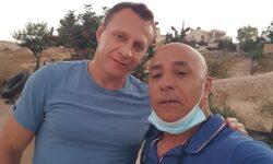 חבר כנסת יואל רזבוזוב ומשפחתו התארחו במערה שבהר
